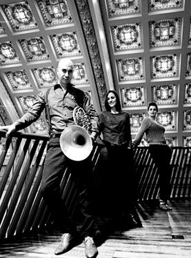 为爱痴狂——荷兰卡迪歌三重奏音乐会