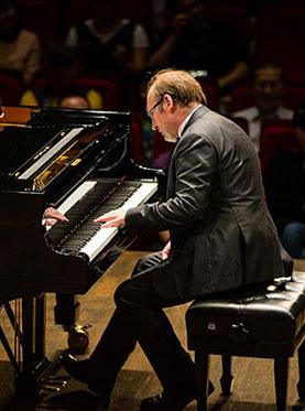 触摸未来-匈牙利音乐教父-李斯特继承人艾文・纳吉全球巡回钢琴音乐会(惠州站)